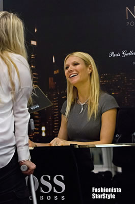 GwynethPaltrow12DEC122401
