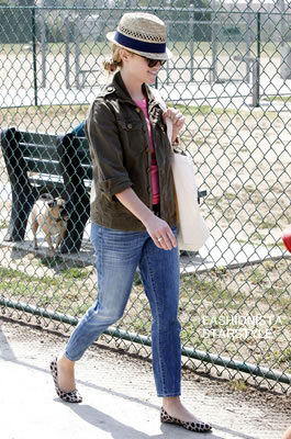 ReeseWitherspoon5MAY2302