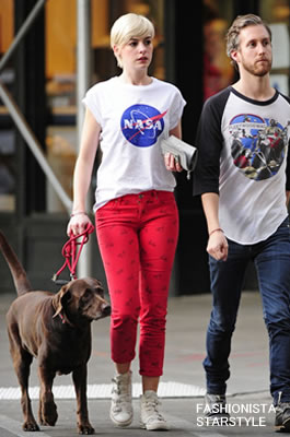 AnneHathaway5MAY2801